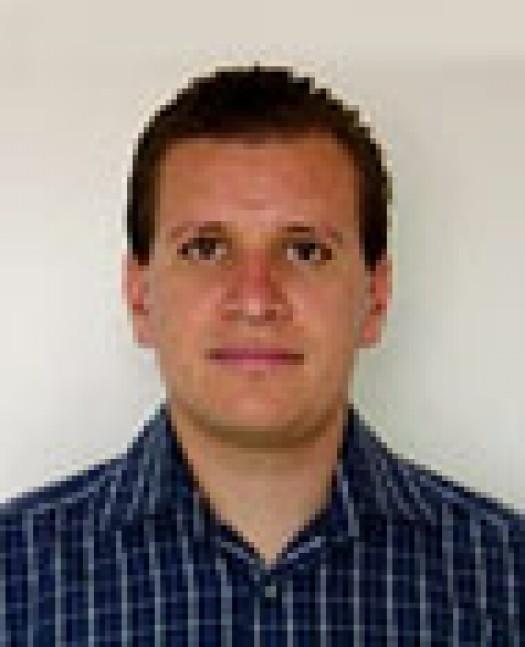 Dr. Alejandro Reyes - alejandro-e1352231005735